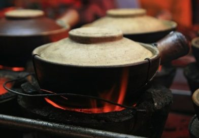 Cooking in Clay Pots is full of Health Benefits