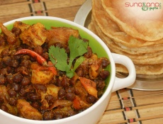 Aloo Chane Ki Ghughni Recipe