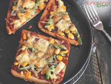 Instant Vegetable Bread Pizza