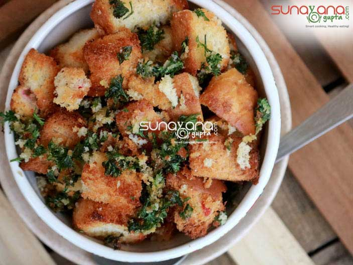 Baked-Bread-Croutons-2